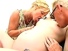 Curly preggo girl gets cum on belly